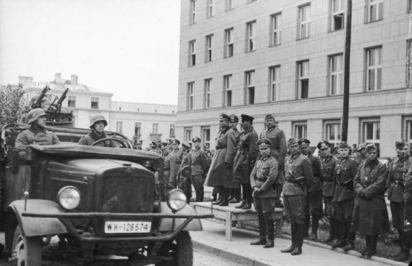 W tym samym dniu kiedy Lewandowska została pojmana, w Brześciu odbyła się parada zwycięstwa Wehrmachtu oraz Armii Czerwonej.