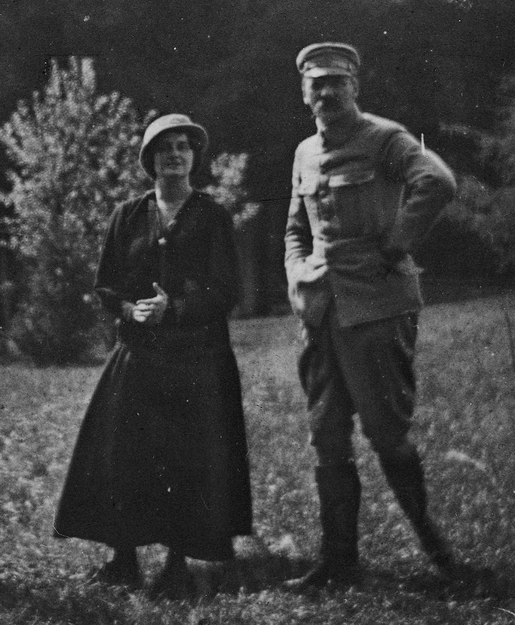 Piłsudski i Szczerbińska podczas pobytu w Zakopanem w 1916 roku. Dziesięć lat wcześniej Józef opowiadał jej co zrobi jak już przejmie władzę w niepodległej Polsce.