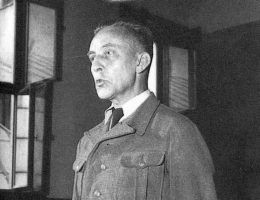 Juergen Stroop zeznaje przed polskim sądem. Zdjęcie z lipca 1951 roku.