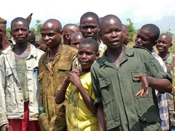W wojnie brały udział także dzieci i młodzież.