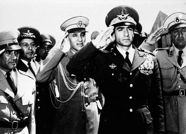 Szach Mohammad Reza Pahlawi rządził od 1941 roku, a od 1953 roku skupiał w swoich rękach pełnię władzy.