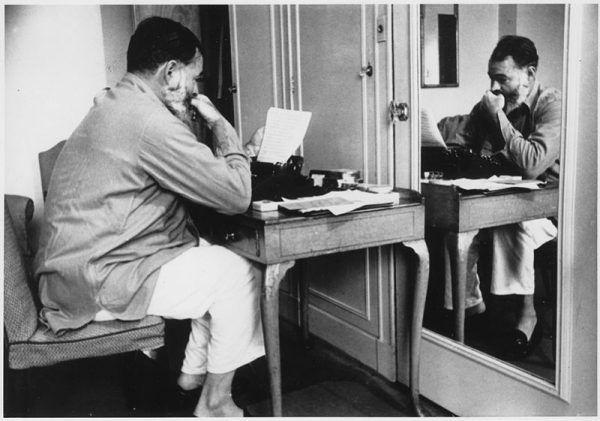 Współpraca między Hemingwayem a NKWD nie okazała się szczególnie owocna. W miarę nasilania się zimnej wojny pisarz mógł się jednak bać, że FBi wpadnie na jego ślad.