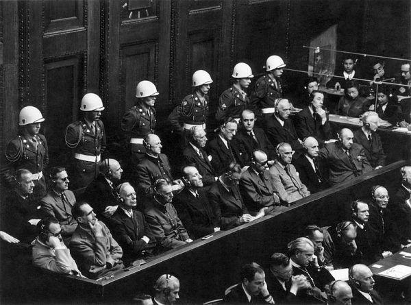 Czy to możliwe, żeby najwyżsi rangą funkcjonariusze III Rzeszy nie wiedzieli, że przykładają rękę do mordowania milionów ludzi?