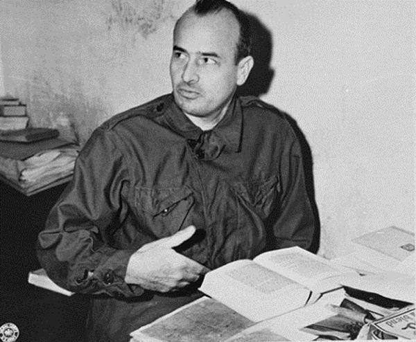 Hans Frank u kresu życia prosił Boga o przebaczenie. Wcześniej spokojnie godził się jednak na śmierć głodową ponad miliona Żydów...