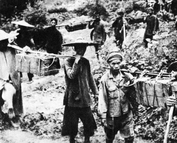 """Tak zwany """"szlak Ho Chi Minha"""" był wykorzystywany przez Vietkong do przerzucania wsparcia dla Wietnamu Południowego."""