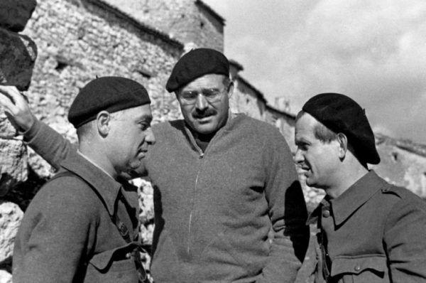 Moskwa zwróciła uwagę na Hemingwaya między innymi dzięki jego wsparciu dla walczących w Hiszpanii republikanów.