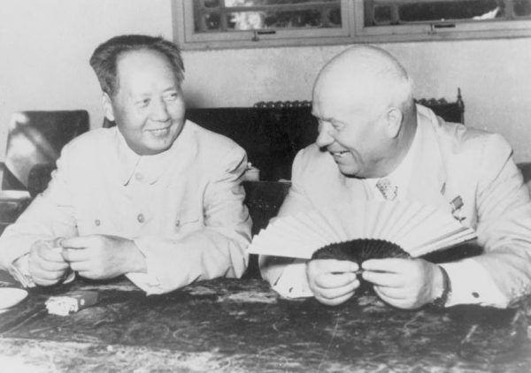 Mao i Chruszczow w trakcie pobytu przywódcy ZSRR w Pekinie.