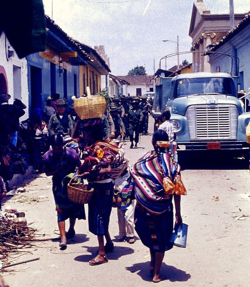 Mieszkańcy Gwatemali przez wiele lat musieli znosić wszechobecność wojska.