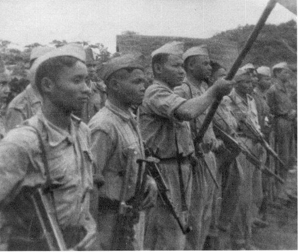Przeciwko rządowi Laosu wystąpiły oddziały komunistycznej partyzantki, Pathet Lao.