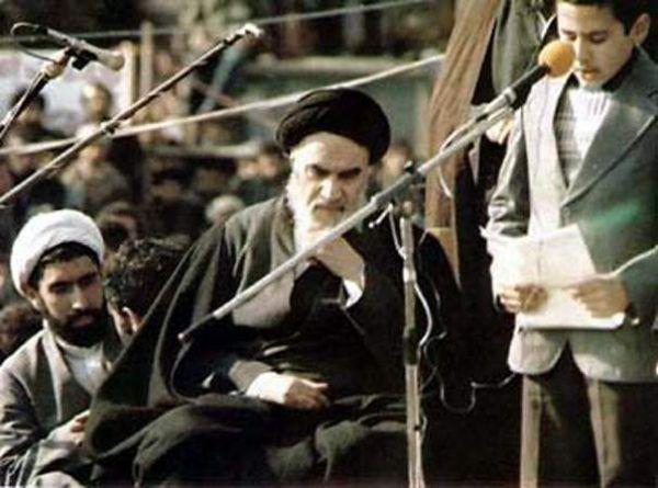 Chomejni zaprowadził w Iranie porządek daleki od obiecywanej wolności. Restrykcje objęły wszystkie sfery życia obywateli.