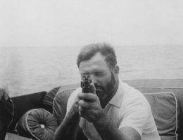Co sprawilo, że Hemingway zgodził się zostać sowieckim szpiegiem?