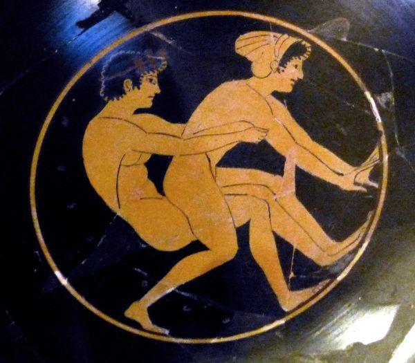 Starożytni Grecy mieli swoje seksualne preferencje. Upodobali sobie przede wszystkim tylną część kobiecego ciała - pośladki. Na ilustracji fragment antycznej greckiej wazy.