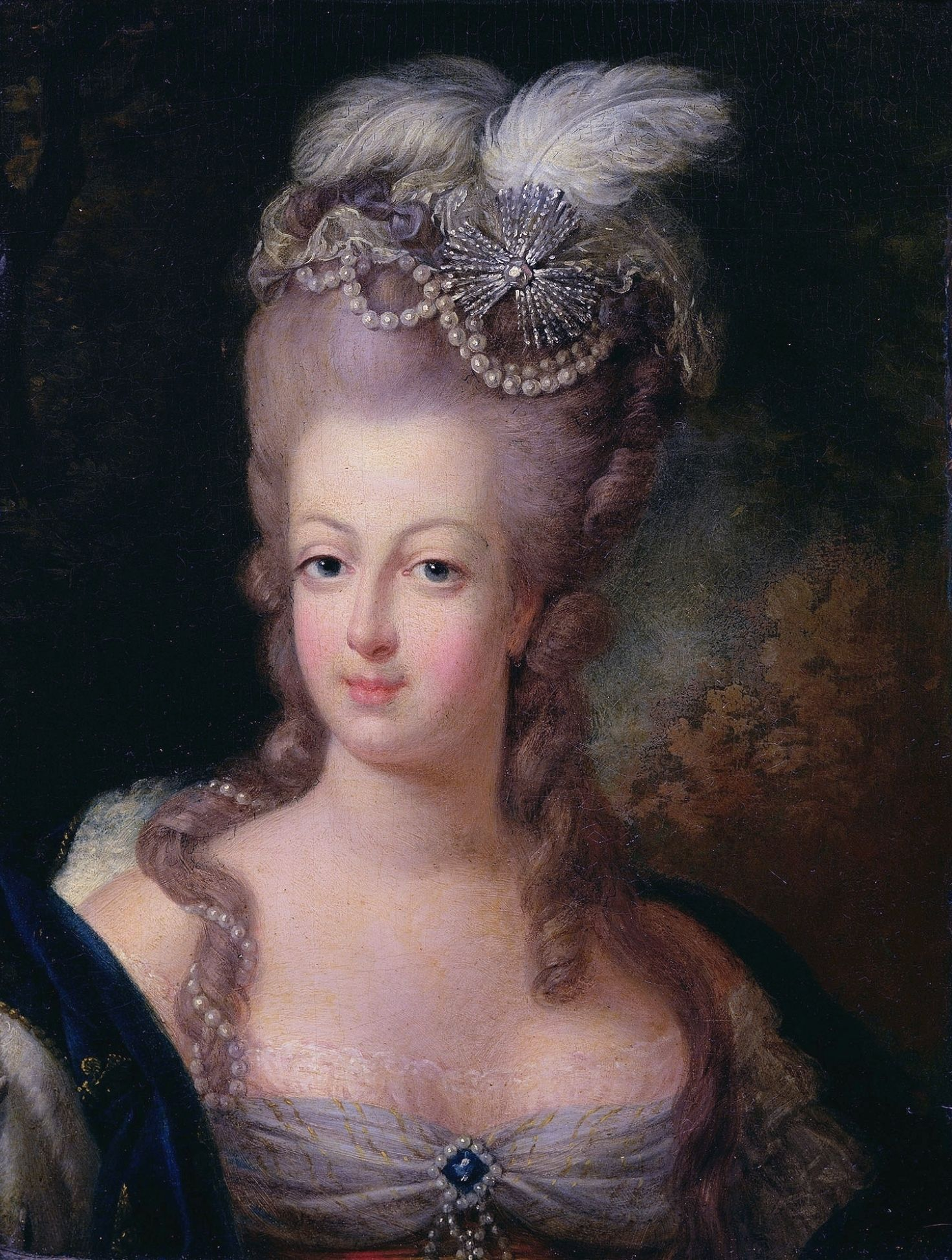 Niebieski klejnot znajdował się w posiadaniu między innymi Marii Antoniny.