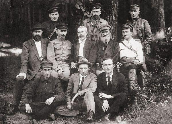 Tymczasowy Komitet Rewolucyjny Polski (Polrewkom), początek sierpnia 1920 roku. Wielu członków formujących się komunistycznych władz na terenie Polski nie podejrzewało, że czeka ich śmierć. I to za wierną służbę.