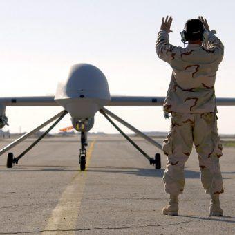 RQ-1 Predator w Iraku (fot. U.S. Air Force, Staff Sgt. Suzanne M. Jenkins, lic. domena publiczna)