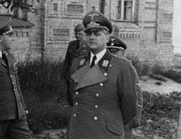 Rosenberg w Kijowie (fot. Bundesarchiv, Bild 146-1994-006-30A, lic. CC-BY-SA 3.0)
