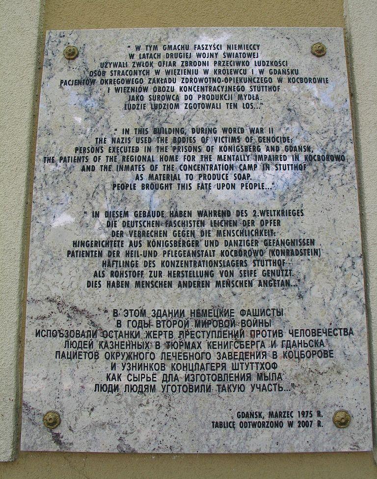 Tablica informująca o eksperymentach Rudolfa Spannera.