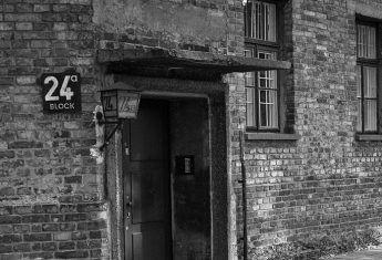Dom publiczny w Auschwitz mieścił się na piętrze bloku nr 24.