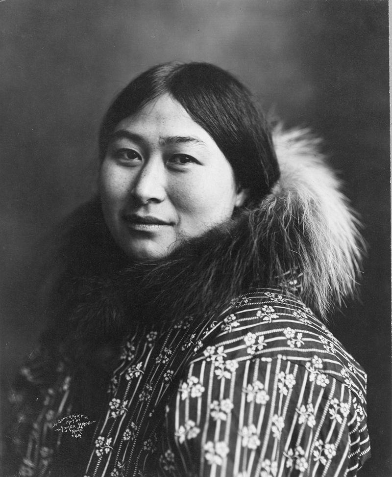 """Wśród Inuitów bigamia i wymiana żon była czymś normalnym. Ale nie tylko. Mężczyźni, za niewielką opłatą, """"udostępniali"""" również swoje kobiety obcym."""