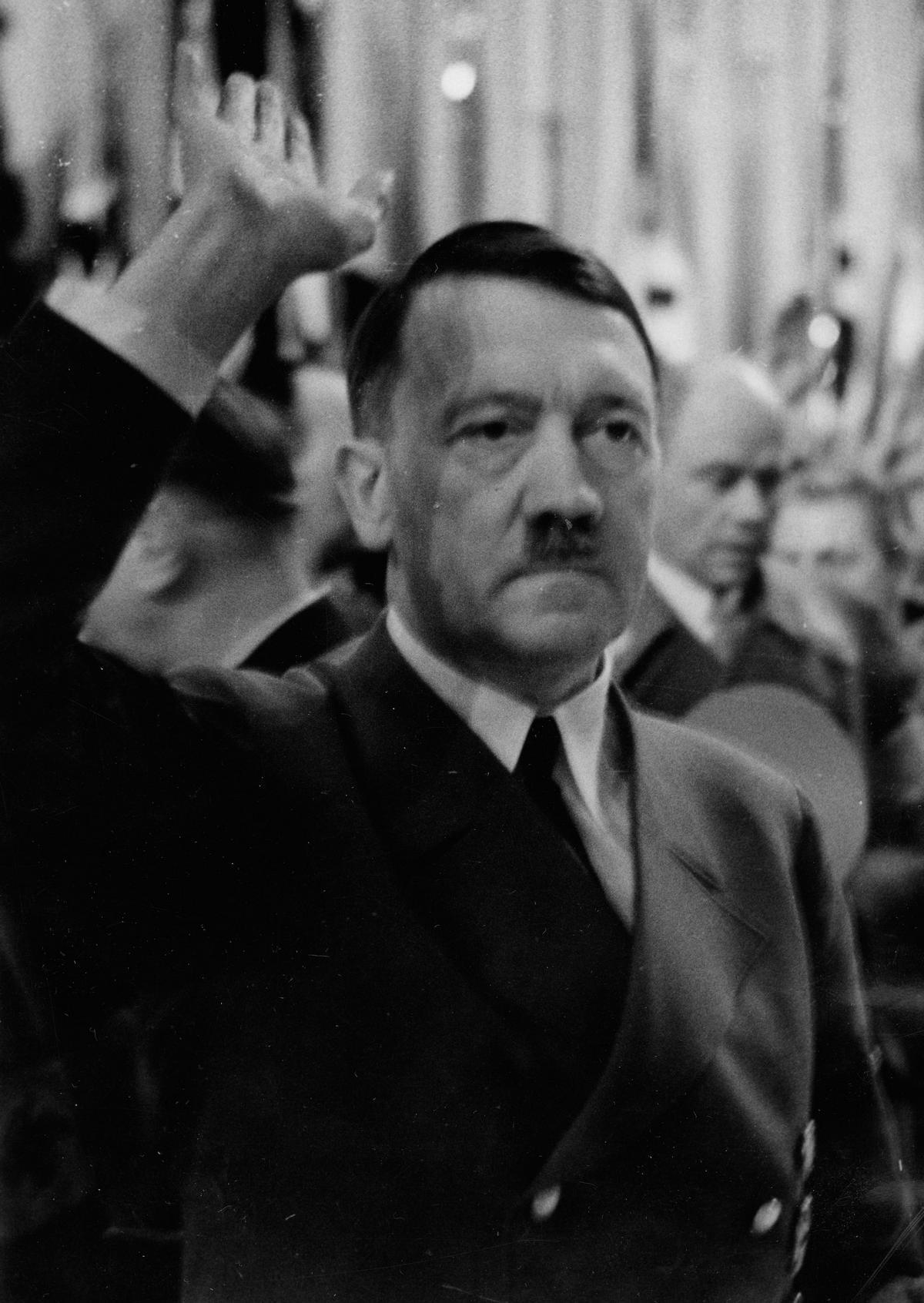 Ewa doskonale zdawała sobie sprawę z tego, że nigdy nie będzie najważniejsza dla Hitlera.