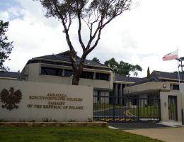 Ambasada polska (fot. Bidgee, lic. CC BY-SA 3.0)