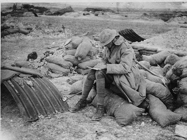 Przewidywano, że żołnierze będą mogli wrócić do domu już na święta Bożego Narodzenia. Niestety miesiące mijały, a kontakt z rodziną można było utrzymywać jedynie listownie...