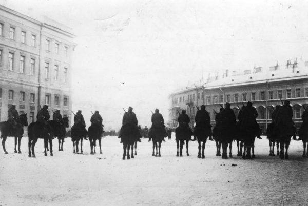 Wystąpienia robotnicze w Rosji często kończyły się krwawo. Nic dziwnego, że Lenin wolał w nich nie uczestniczyć...