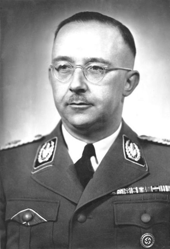 """Heinrich Himmler nie tylko odpowiadał za eksterminację Żydów w Europie, ale ogarnięty był również obsesją """"produkowania"""" idealnych Aryjczyków."""