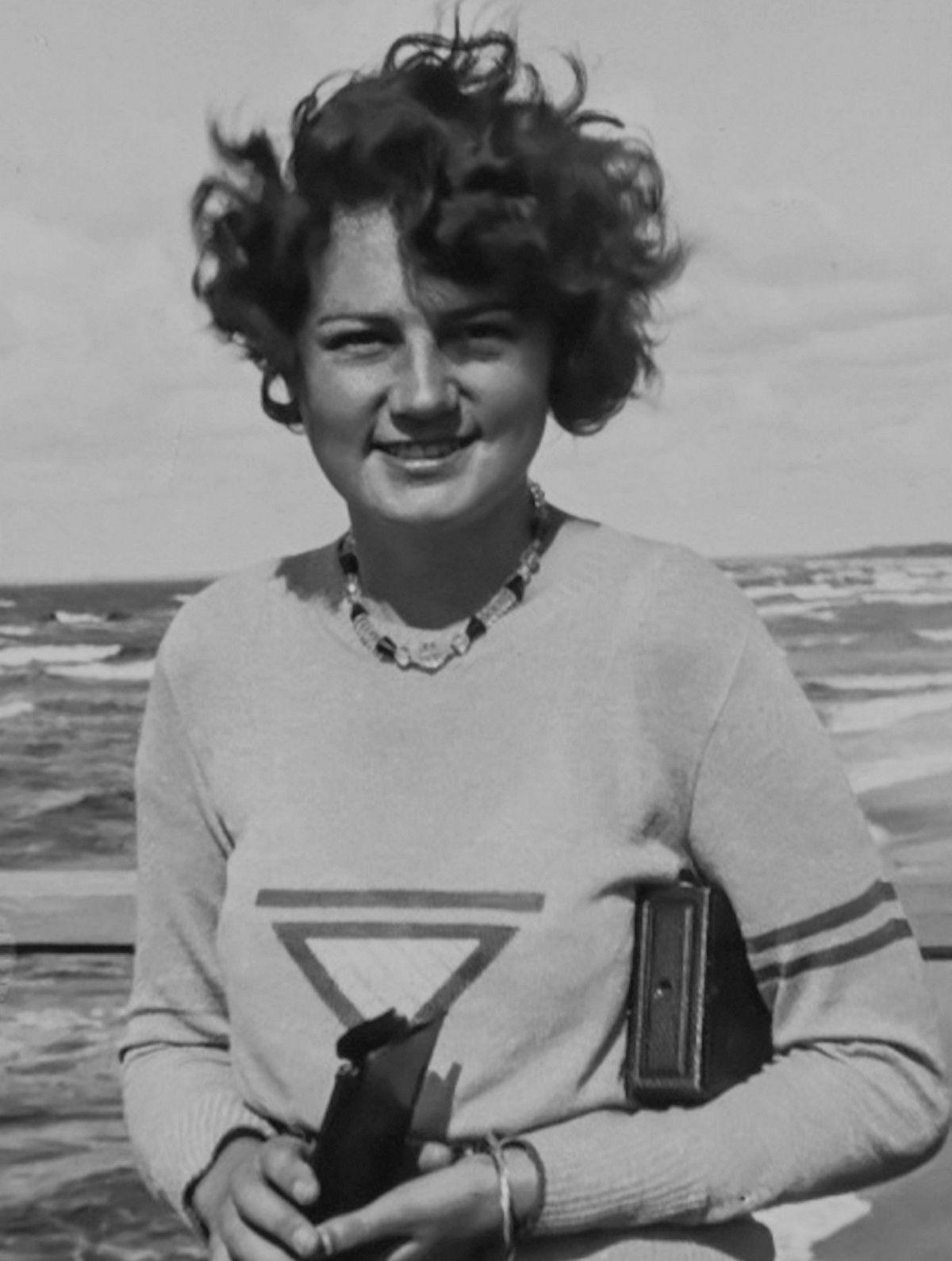 Dopiero po samobójczej śmierci Geli Raubal (na zdjęciu) Ewa Braun została zaproszona do rezydencji Hitlera.