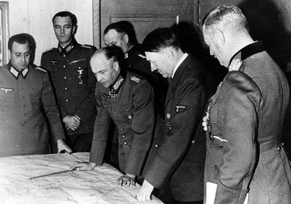 Czy to możliwe, że zachowanie Blondi miało większy wpływ na decyzje Hitlera odnośnie frontu wschodniego niż rady generałów?