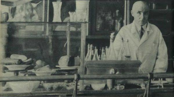 Kontuar knajpy przy Czerniakowskiej. Ilustracja Tajnego Detektywa