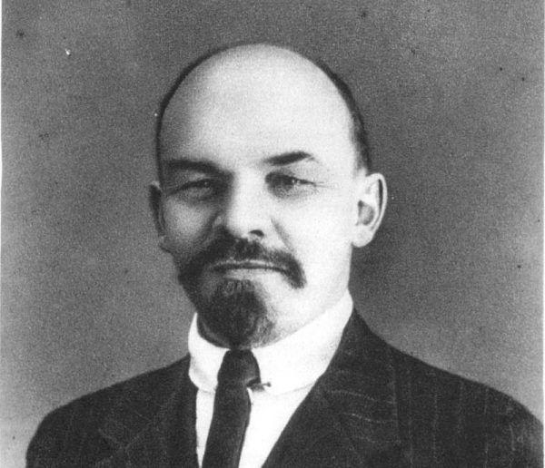 Lenin niemal każdego swojego przeciwnika oskarżał o tchórzostwo.