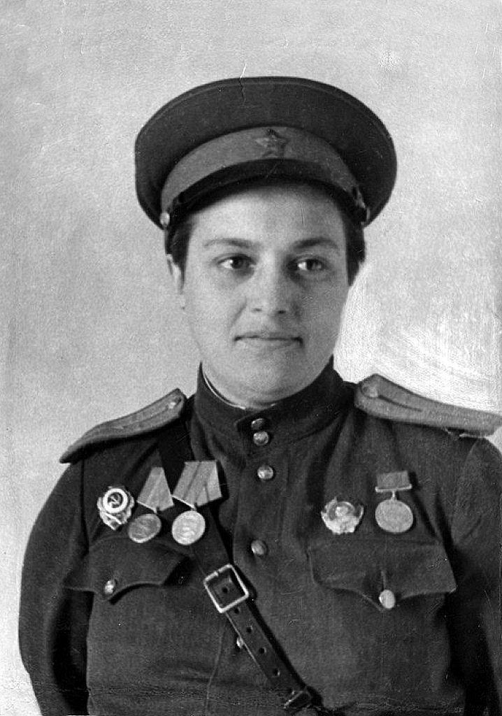 Na twarzy Pawliczenko próżno szukać blizn bo rzekomo ciężkich ranach twarzy.