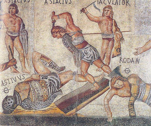 Często przeciwko sobie wystawiano gladiatorów dysponujących odmiennym uzbrojeniem.