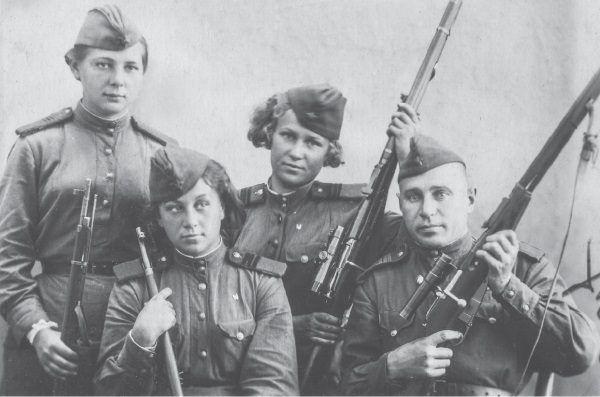 Radzieccy snajperzy (fot. materiały prasowe wydawnictwa Znak Horyzont)
