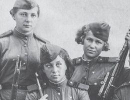 Taja Kisielowa, Muza Bułatowa, Bella Morozowa - radzieckie snajperki (fot. materiały prasowe wydawnictwa Znak Horyzont)