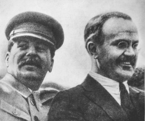 Stalin nie był zbyt twórczy, jeśli chodzi o epitety, którymi obdarzał wrogów. W wymyślaniu ich wyręczali go ludzie tacy jak Wiaczesław Mołotow.
