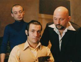 """W latach 90. Polska z zapartym tchem śledziła gangsterskie porachunki. Ich """"bohaterowie"""" inspirowali także twórców filmowych."""