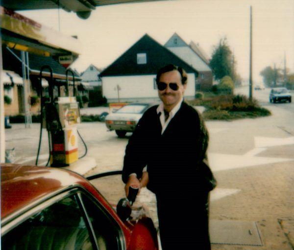 """Zagadka śmierci """"Nikosia"""", jednego z najbardziej rozpoznawalnych polskich gangsterów lat 90., do dzisiaj pozostaje nierozwiązana. Zdjęcie z książki """"Spowiedź Nikosia zza grobu""""."""