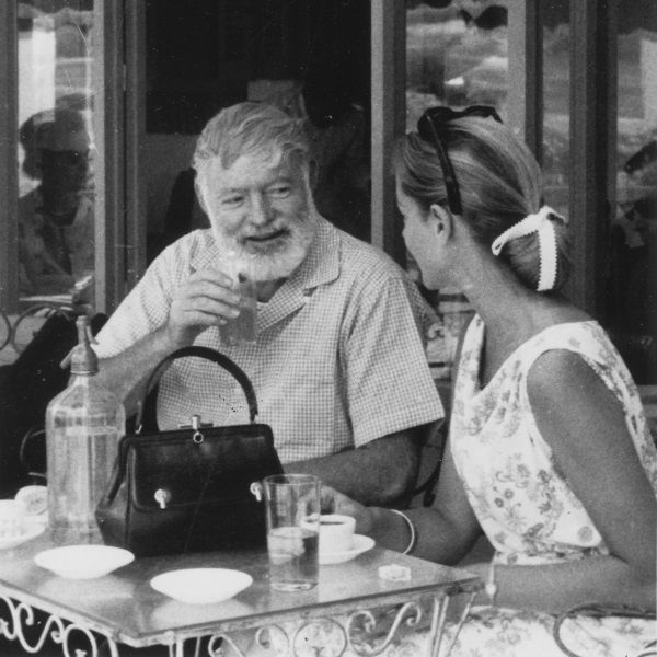 Ernest Hemingway i Lauren Bacall w Hiszpanii (fot. domena publiczna)