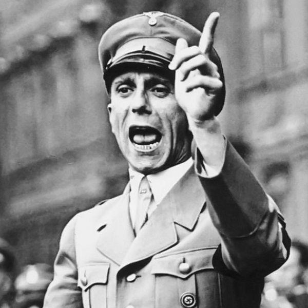 Goebbels (fot. Bundesarchiv, Bild 102-17049; Georg Pahl; CC-BY-SA 3.0)