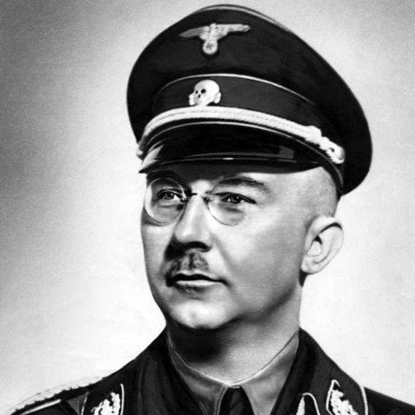 Himmler (fot. Bundesarchiv, Bild 183-R99621, CC-BY-SA 3.0)