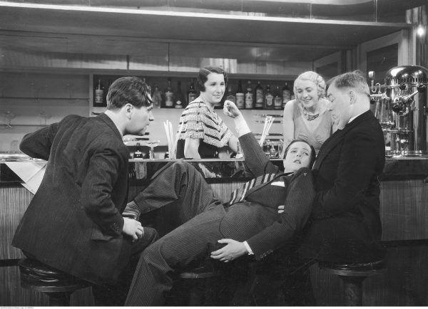 Kadr z filmu Czy Lucyna to dziewczyna. Rok 1934