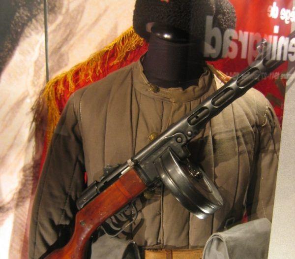 Po zajęciu Lwowa przez Niemców agenci planowali ucieczkę do Moskwy w sowieckich mundurach.