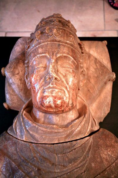 Posąg Urbana V, Awinion.