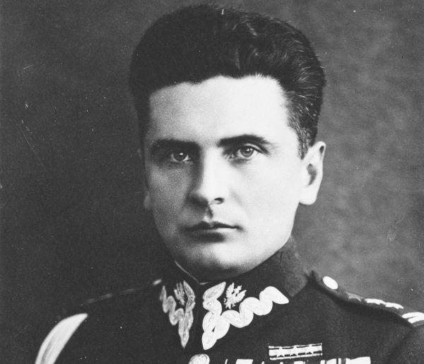 """Wyroki śmierci na Golę i Metzgera zatwierdził Stefan Rowecki """"Grot""""."""