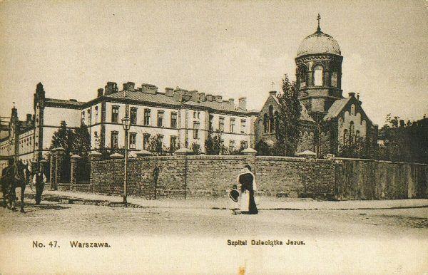Na początku września 1939 roku ks. Antoni Czajkowski zgłosił się na ochotnika, zostając kapelanem w warszawskim Szpitalu Dzieciątka Jezus (na zdjęciu kompleks szpitala, 1908).