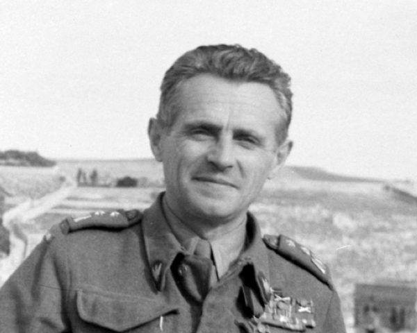 Golę i Metzgera podejrzewano między innymi o wydanie w ręce NKWD generała Michała Karaszewicza-Tokarzewskiego.