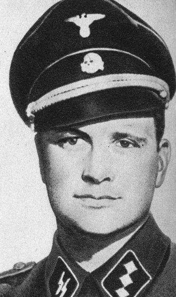 """Kurt Franz, zwany """"Lalką"""", był jednym z najbardziej znienawidzonych esesmanów w obozie."""
