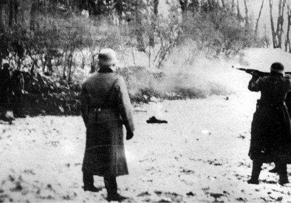 Niemcy rozstrzeliwali nawet za posiadanie maski przeciwgazowej.